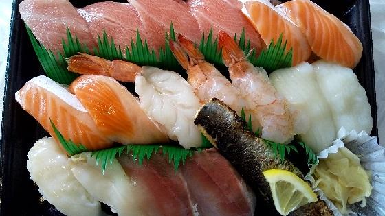 【優待ご飯】カッパ・クリエイト (7421)の「かっぱ寿司」で本鮪大とろ、北海道産 大ぶりとろいわし塩炙り、とんかつにぎり、四元豚 豚丼風などをテイクアウト(持ち帰り)しました♪