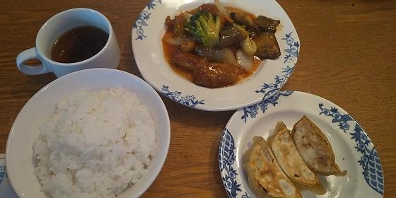 【優待ご飯】すかいらーくホールディングス (3197)の「バーミヤン」で「香港風酢豚、ご飯、餃子セット」を食べてきました♪