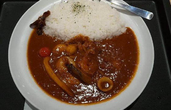【優待ご飯】松屋フーズホールディングス (9887)の「マイカリー食堂」で「シーフードカレー(大盛り)」を食べてきました♪