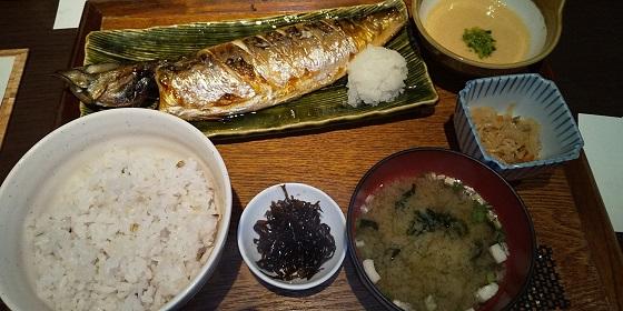 【優待ご飯】ワタミ (7522)の「炉ばたや 銀政」で「炭火焼 特大トロサバ定食」を食べてきました♪