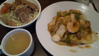 【優待ご飯】すかいらーくHD(3197)の「バーミヤン」で「海鮮3種のあんかけおこげ、たっぷりキャベツの中華サラダ」を食べてきました♪
