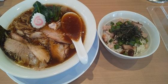 【優待ご飯】ギフト (9279)の「長岡食堂」で「醤油半チャーシューメン(80g)、お茶漬けご飯(現金)」を食べてきました♪