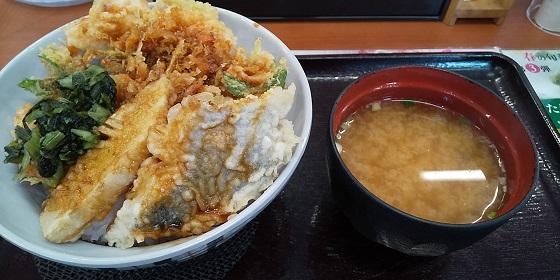 【優待ご飯】ロイヤルホールディングス (8179)の「てんや」で「桜海老天丼」を食べてきました♪