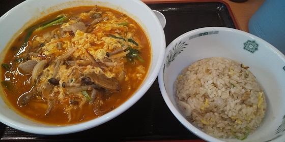 【優待ご飯】ハイデイ日高 (7611)の「日高屋」で「酸辣きのこ湯麵 半チャーハンセット」を食べてきました!
