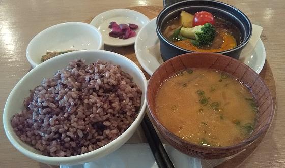 【優待ご飯】DDホールディングス (3073)の「和カフェyusoshi」で「ひとくち煮込みハンバーグ」を食べてきました♪