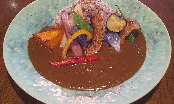 【優待ご飯】一家ダイニングプロジェクト (9266)の「Terrace Dining TANGO」で「彩り野菜と十五穀米のTANGOカレー」を食べてきました♪