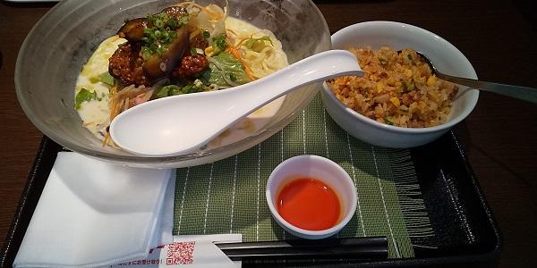 【優待ご飯】リンガーハット (8200)の「長崎ちゃんぽんリンガーハット」で「冷やしちゃんぽん麻婆茄子、ピリカラ半チャーハン」を食べてきました♪