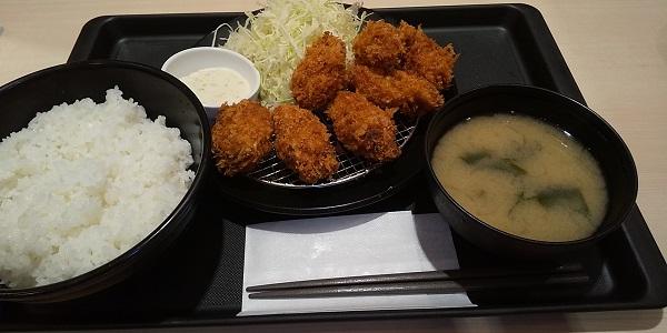 【優待ご飯】松屋フーズホールディングス (9887)の「松のや」で「たっぷりカキフライ定食(ご飯大盛り)」を食べてきました♪