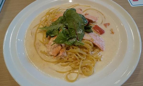 【優待ご飯】すかいらーくHD(3197)の「ガスト」で「サーモンとかにの魚介クリームスパゲティ」を食べてきました♪
